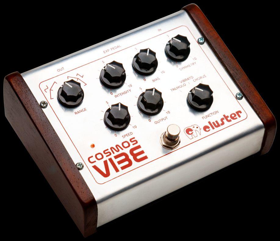 Cluster Cosmos Vibe-13, pedal de chorus, trémolo y vibrato